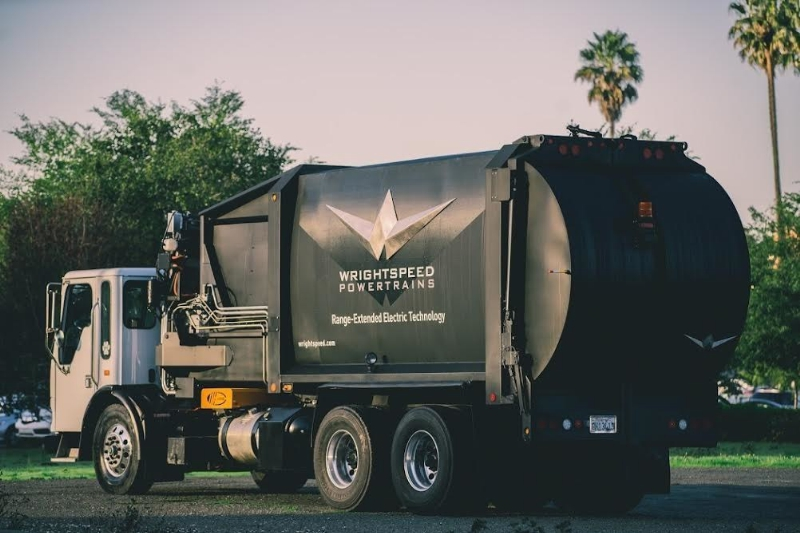 Turbine-Electric Hybrid Trash Truck Deployed