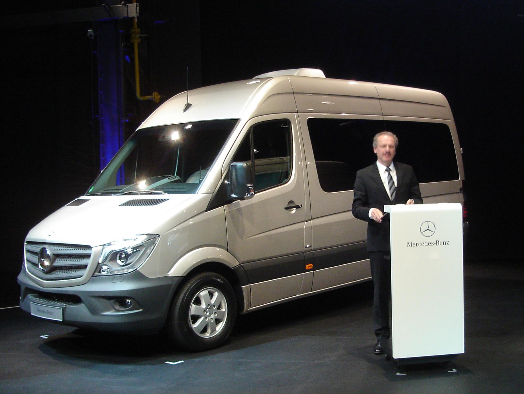 2014 Sprinter Van Gets Fresh Styling, Powertrain, Safety Features