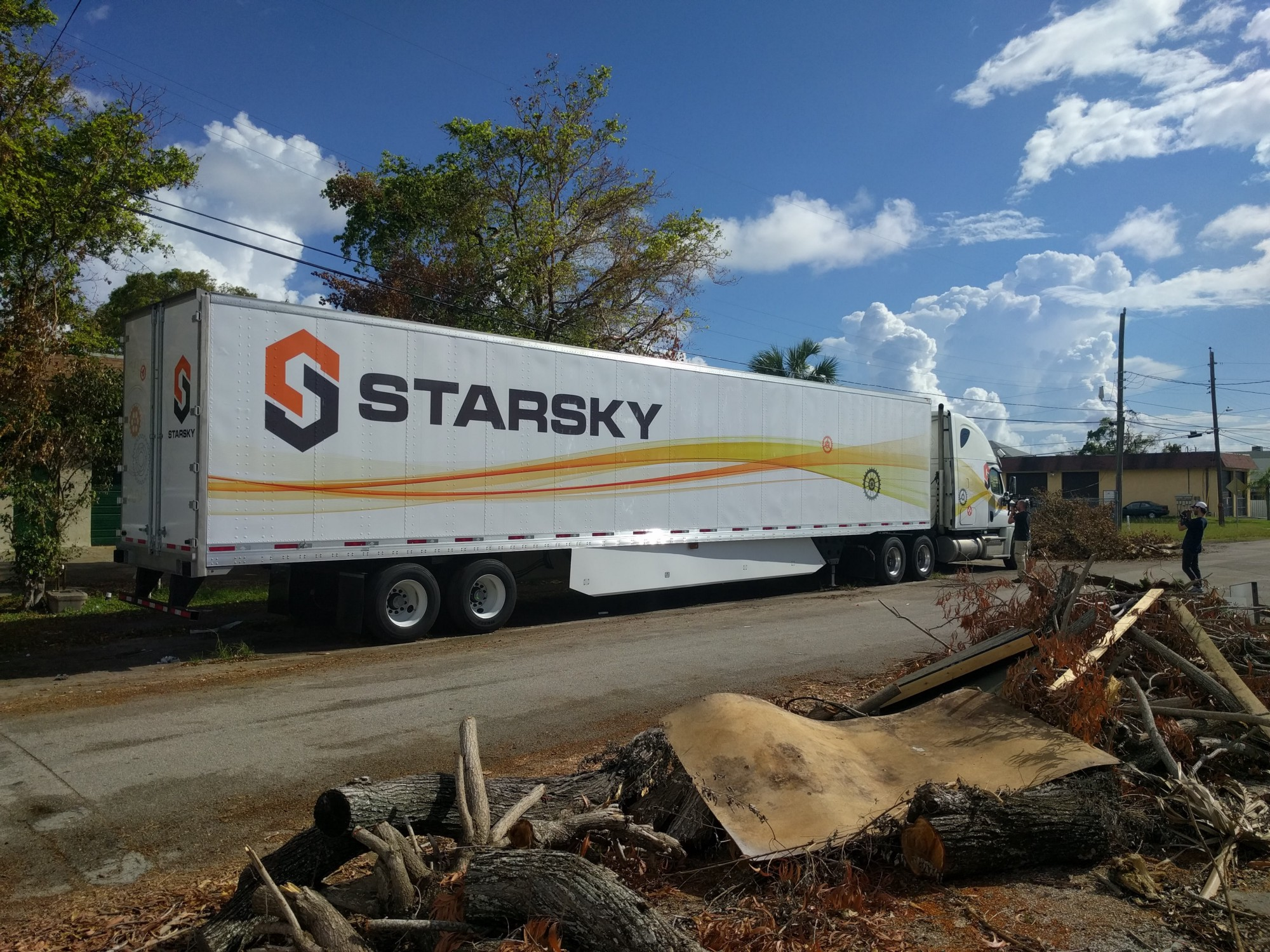 Starsky Robotics Goes All-In On Driverless Trucks