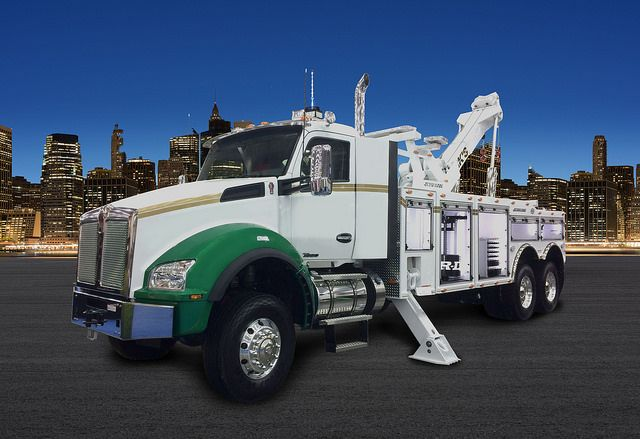 Kenworth Offers All-Wheel Drive T880