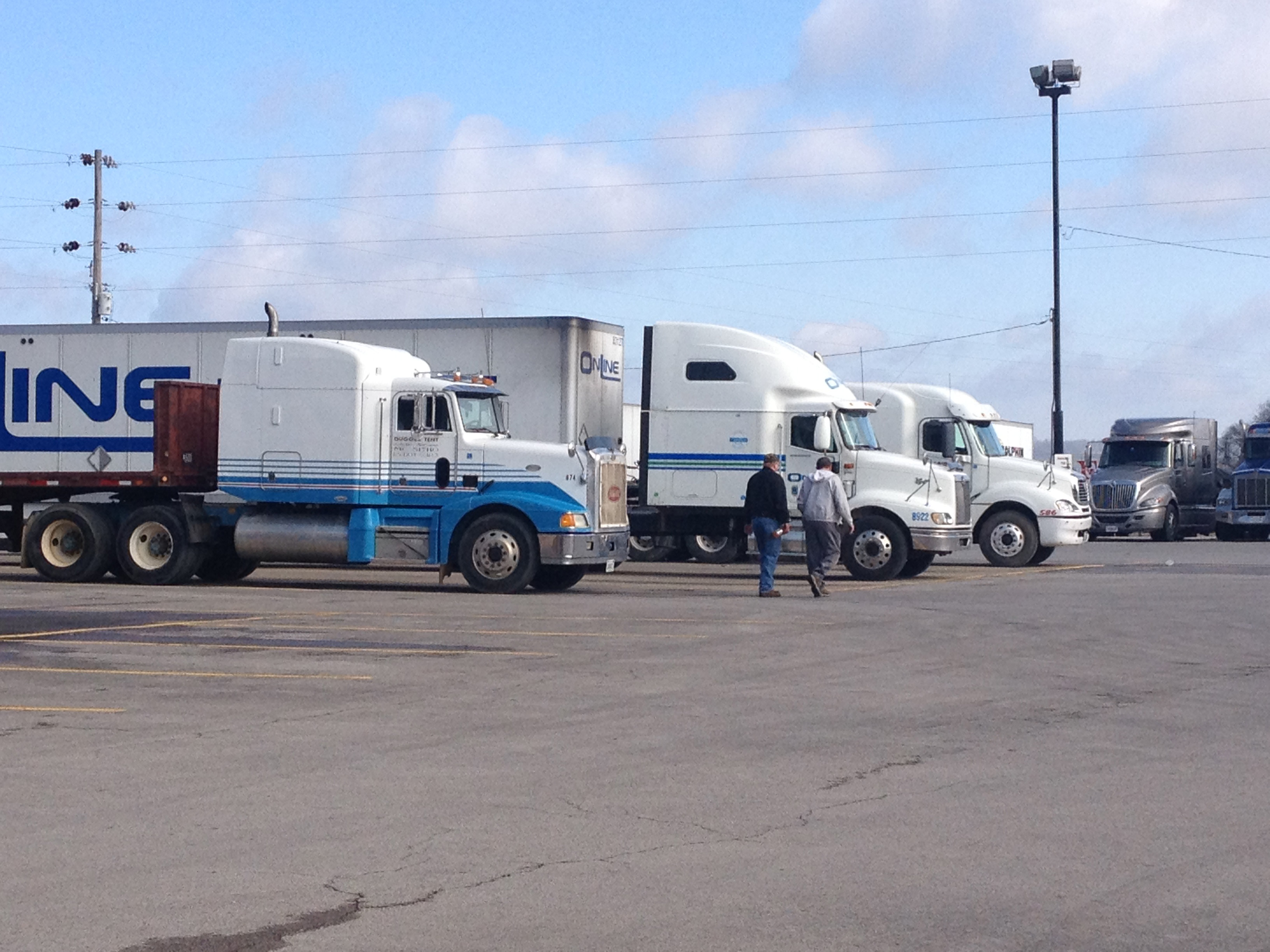 Turnover at Truckload Carriers High as Driver Market Remains Tight