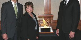 Rihm Kenworth Pulls 2-in-a-Row Medium-Duty Dealer Award