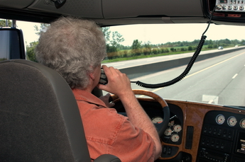 Alberta says it has no issues with truckers using CB radios in the course of their duties. (Photo by Jim Park)