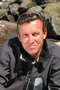 Ed Viesturs, a high altitude mountaineer, will speak at the upcoming Vipar Heavy Duty Annual Business Conference.