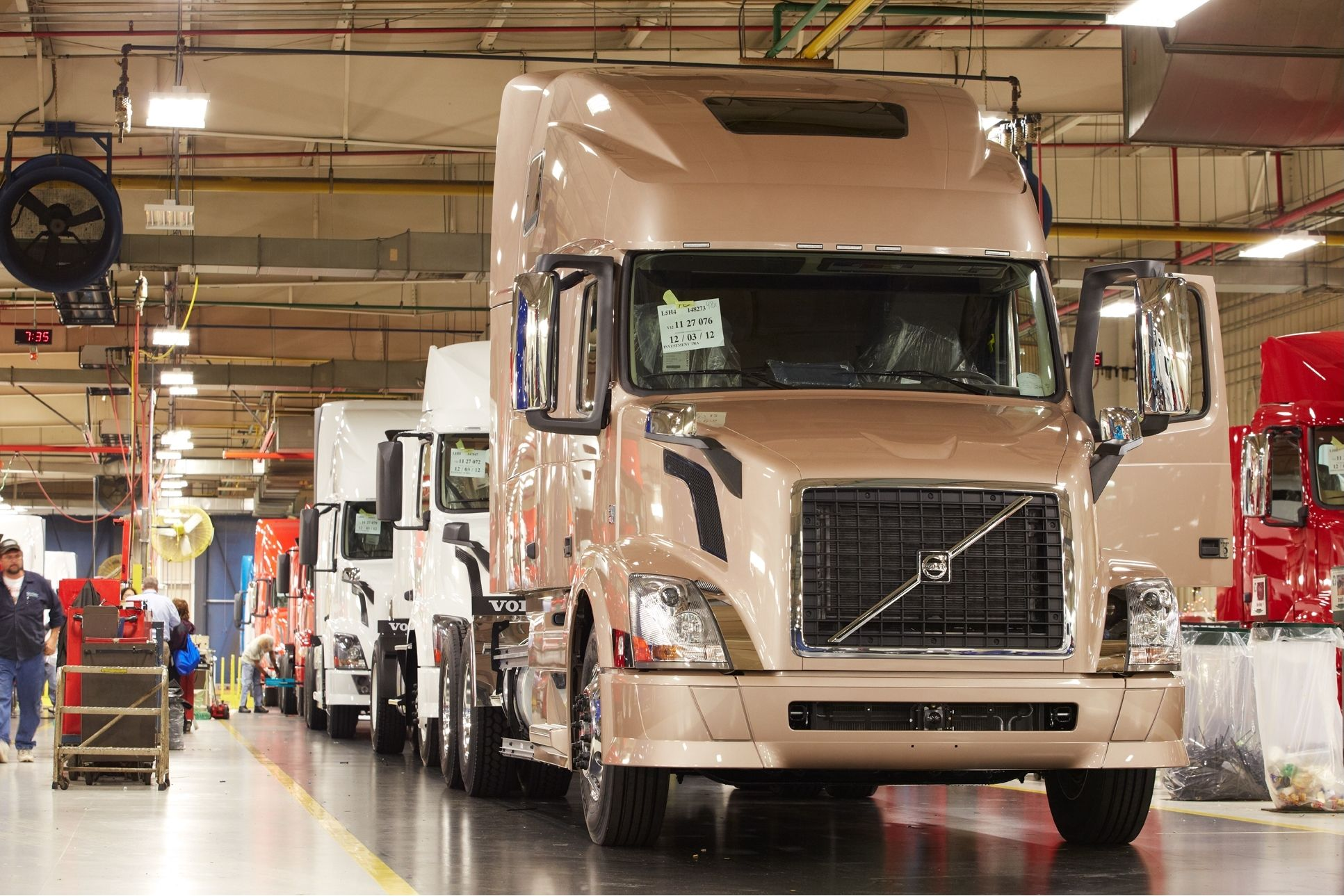 Volvo Trucks to Lay Off 734 Employees at Virginia Plant