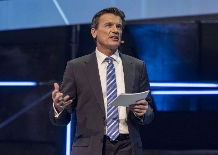 Daimler's Global Truck Chief Bernhard Resigns