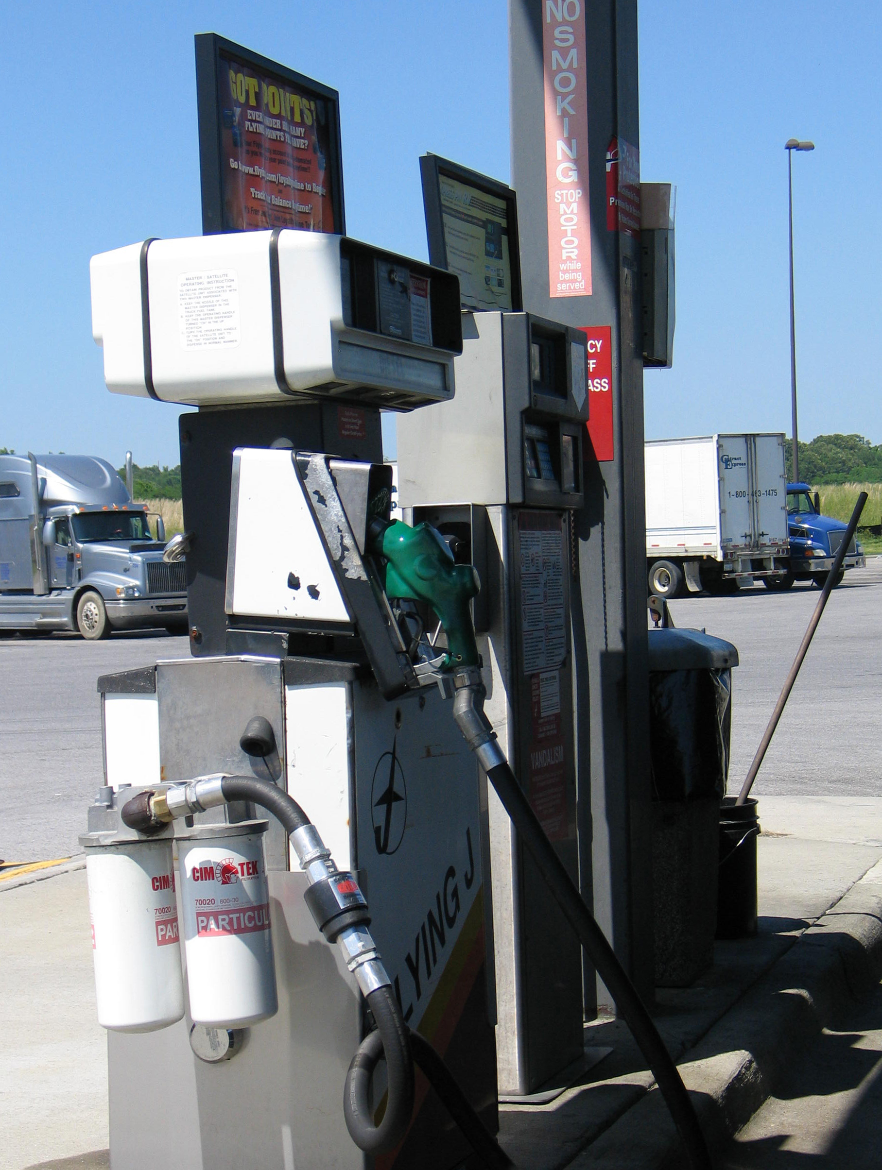 Diesel and Gasoline Prices Move Lower Again, Oil Continues Slow Creep Upward