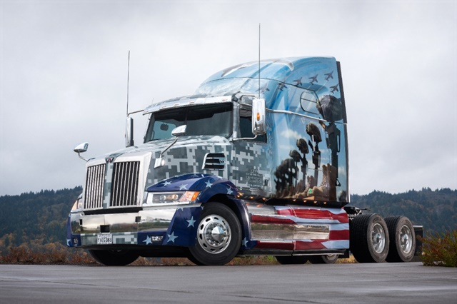 Western Star 5700XD 68-inch Sleeper Photo: Western Star