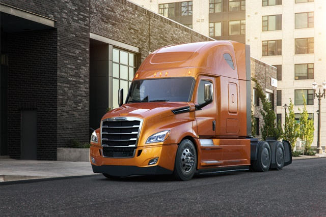 New Cascadia 126-inch BBC, 60-inch raised roof sleeper shown with AeroX aerodynamic option and Elite exterior trim package. Photo: Freightliner Trucks