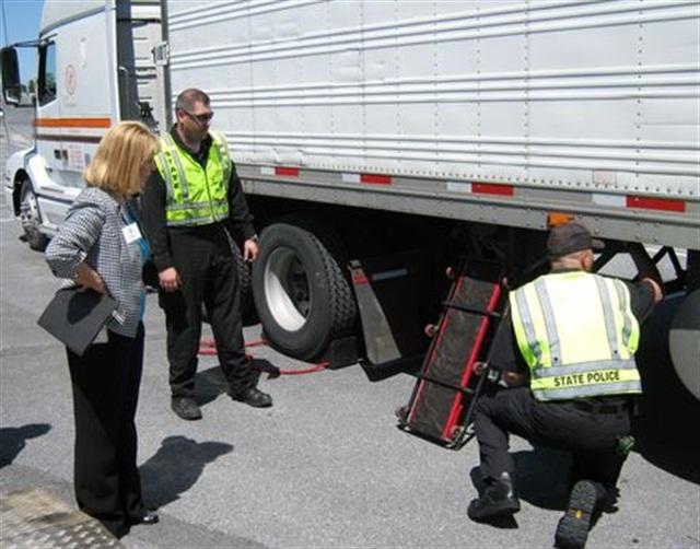 A roadside safety inspection. Photo: U.S. DOT