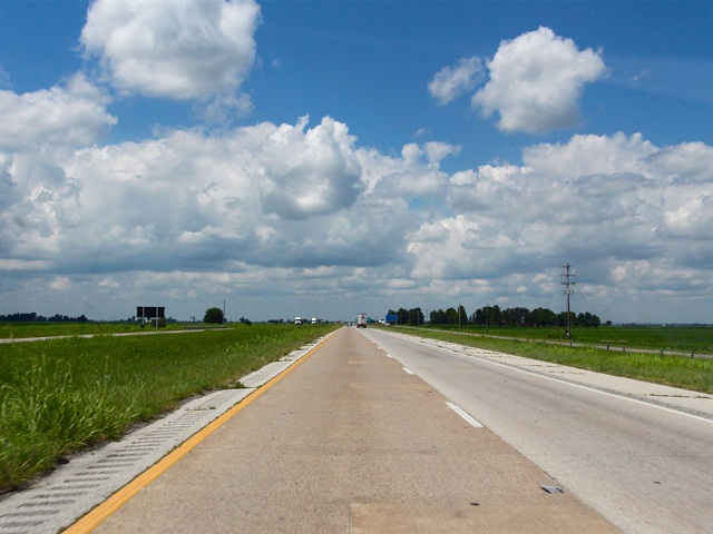 A new Reason Foundation study claims tolling Interstates would raise around $1 trillion needed for road projects. Photo: Evan Lockridge