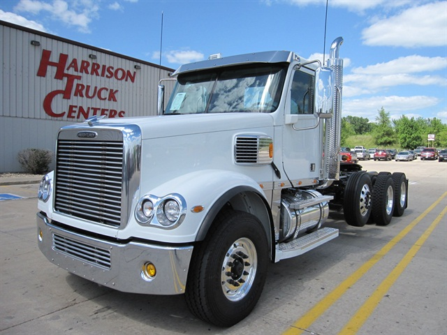 Freightliner glider kit with APG's dual fuel system. Photo: APG