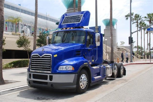 Mack's hybrid drayage truck is based on the Pinnacle daycab model. Photo: Mack Trucks