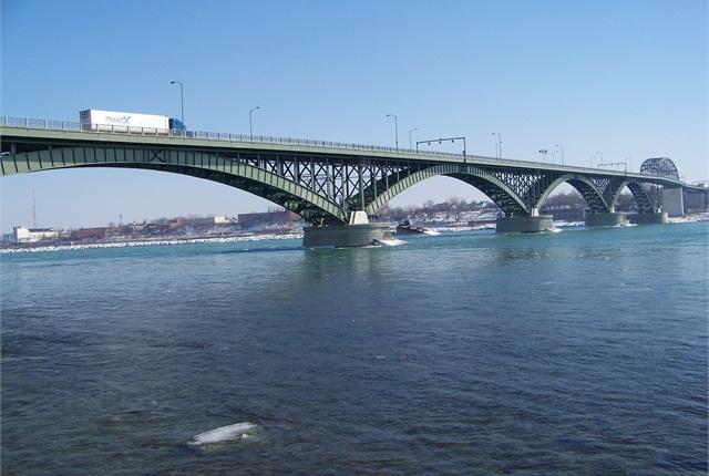 The Peace Bridge near Buffalo, N.Y. Photo via Wikipedia commons userÓðinn