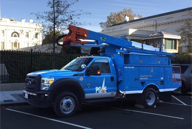 PG&E/Efficient Drivetrains Inc. Electric Hybrid bucket truck:Photo via PG&E