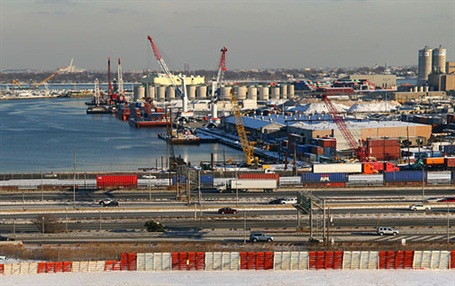 Port Newark. Photo: Doc Searls via Wikimedia Commons