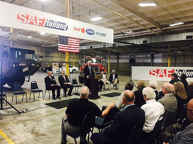 Arkansas Governor Asa Hutchinson speaking about the SAF-Holland Dumas facility expansion.