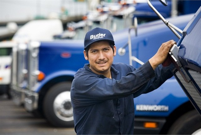 New poll reveals that 81% of Americans believe truckers are safer drivers. Photo courtesy Haldex