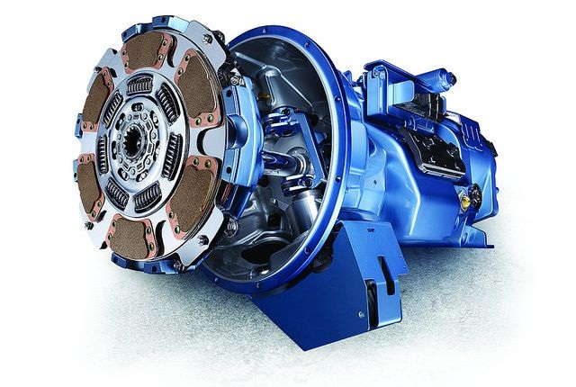 Kenworth now offers the 10-speed Eaton UltraShift Plus VAS transmission for the Kenworth T370, T440 and T470 equipped with the 8.9-liter Paccar PX-9 engine. Image via Kenworth