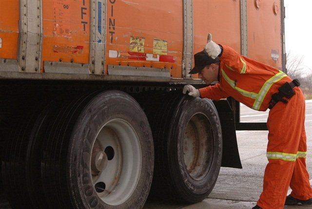 Traffic enforcement alone only gets to one of the CSA BASICs, but traffic enforcement with an inspection gets to the three BASICs that are most closely tied with risk, says CVSA.