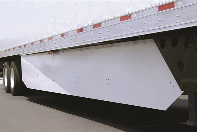 Trailer skirts like this one benefit some carriers, but not enough fleets so they should be mandated, contend trailer makers. Photo: Utility Trailer Mfg.