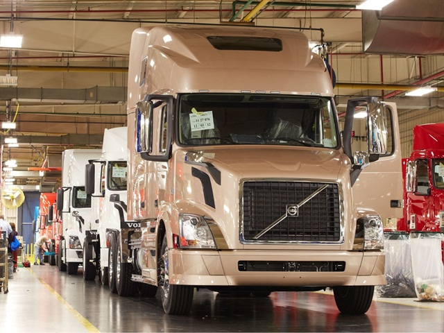 Volvo VNLs on the assembly line at the New River Valley plant: Photo: Volvo Trucks.