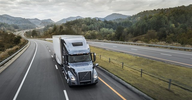 Bendix Wingman Fusion-based safety system is now standard on Volvo VNR and VNL trucks. Photo via Bendix
