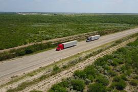 Daimler Announces Public Highway Platooning Tests