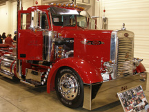 This bright red 1957 Peterbilt 350, operated by A&L Truck Supply, was among the winners at last weekend's Truck Show Latino.