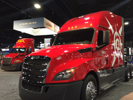Fleet customer trucks on display at freightliner booth. Photo: Deborah Lockridge
