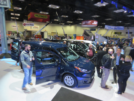 Ford's new-gen 2019 Ford Transit Connect small cargo van drew a big crowd when it was unveiled...
