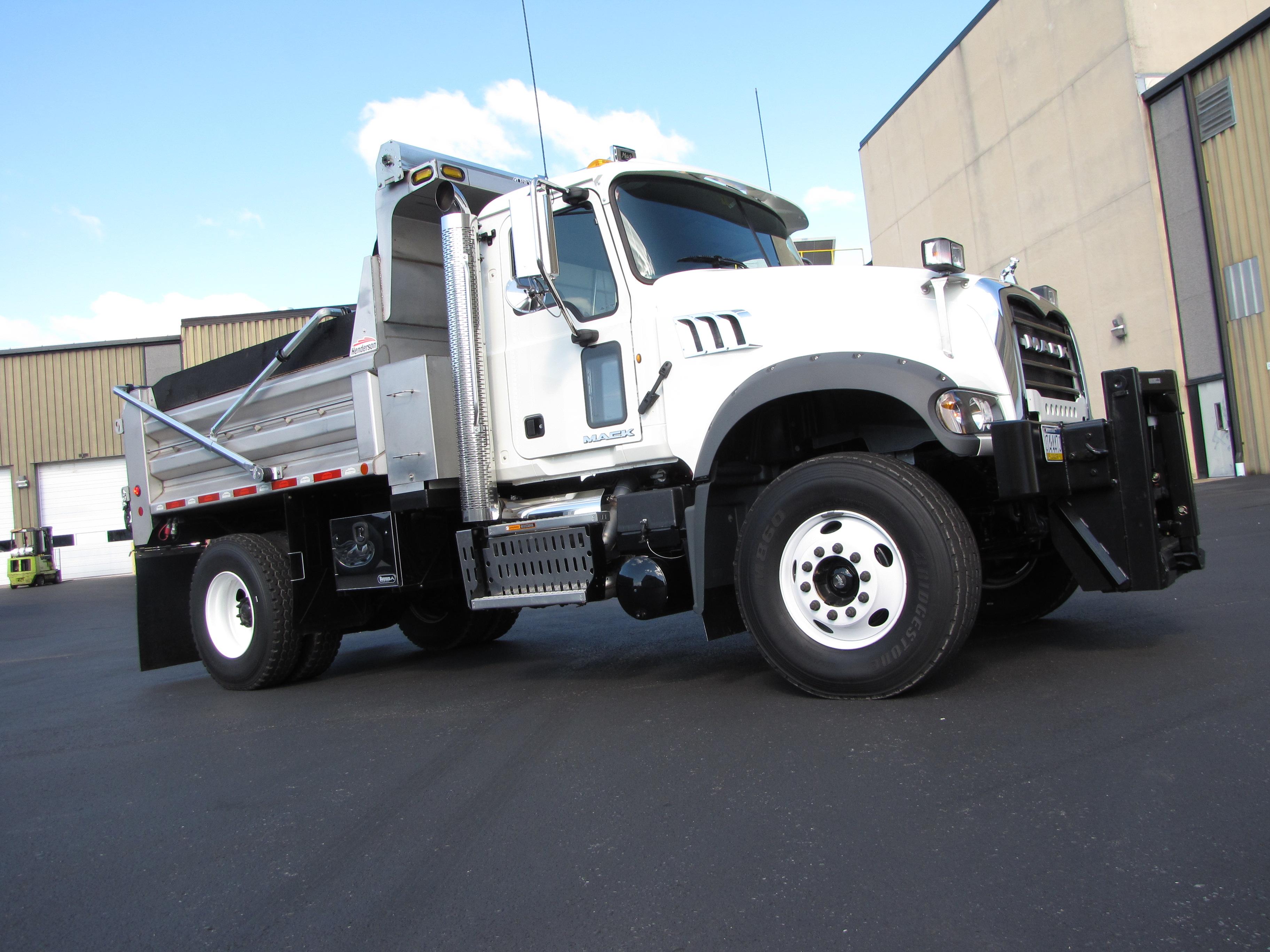 Test Drive: Single-Rear-Axle Granite MHD