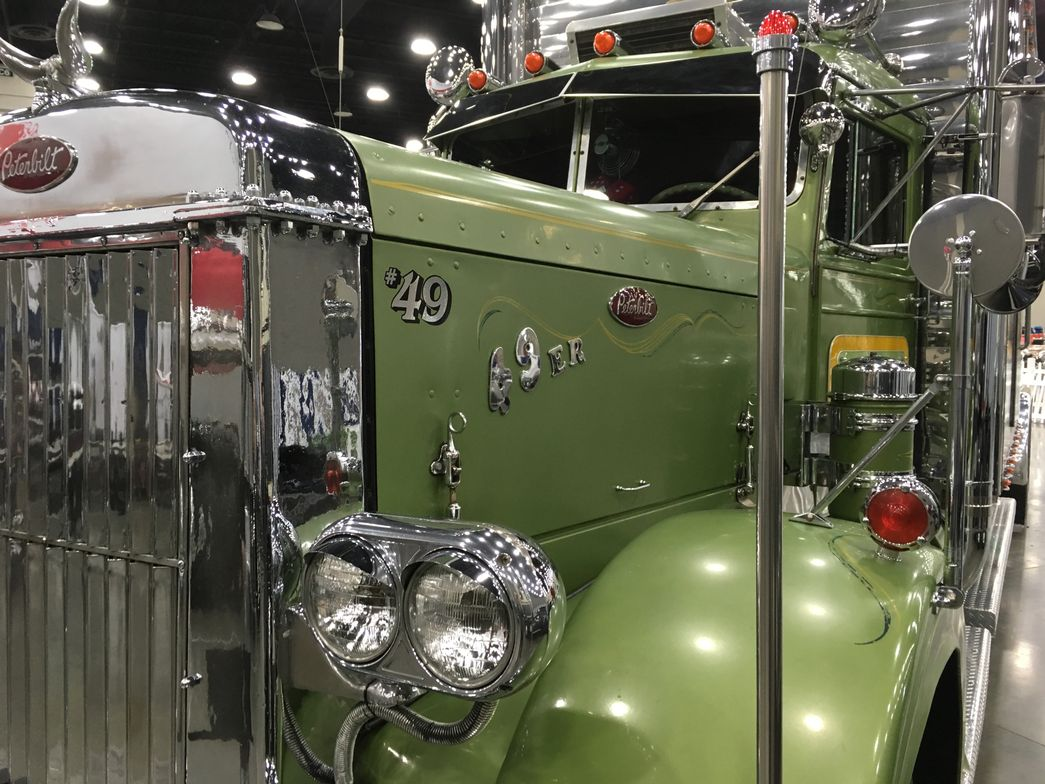 1949 Peterbilt 350, Gerry Howard, Fairborn, Ohio. Photo: Jim Park