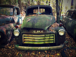 It looks like some soap, water and a wax job and this old GMC would be ready to hit the road...