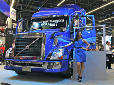 Volvo shows off its VNL that's now available in Mexico with the I-Shift automated manual...