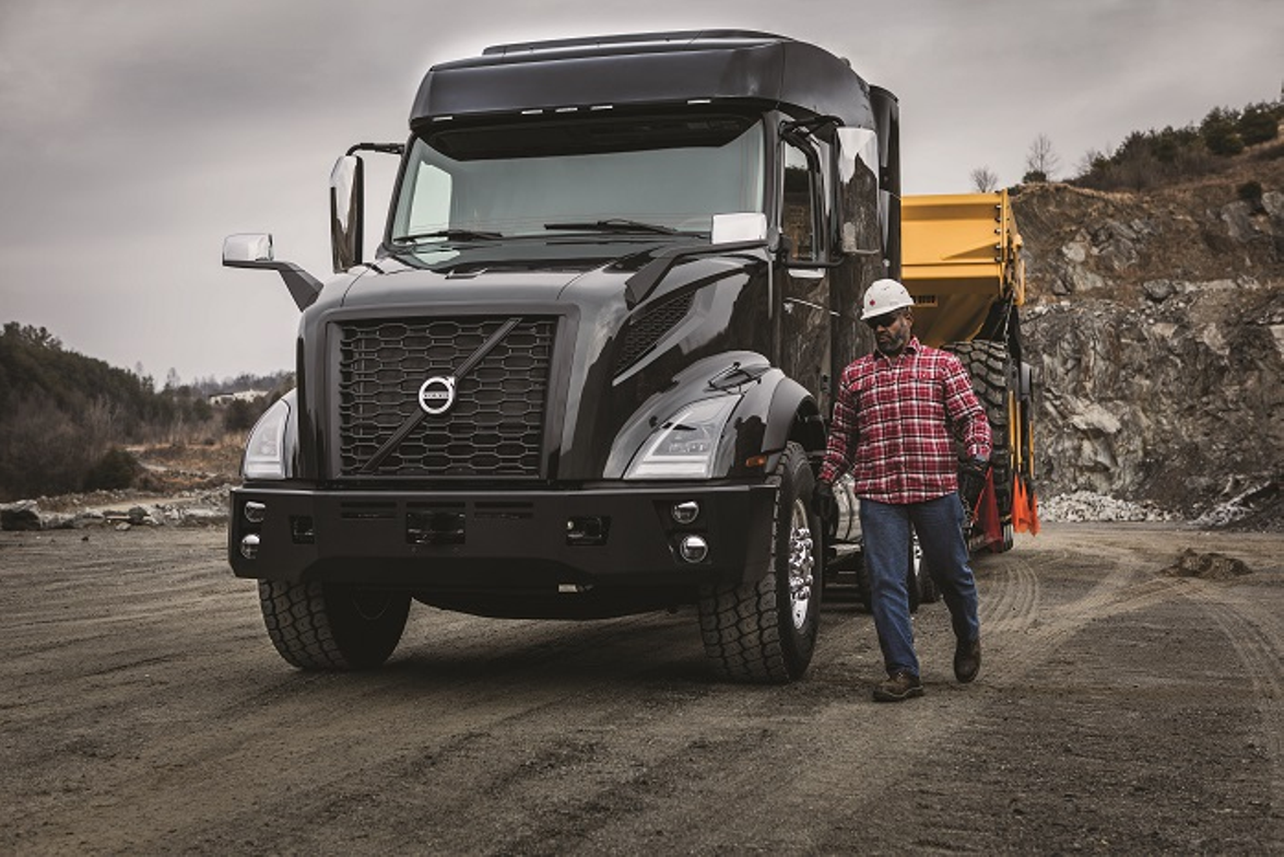 Available with up to 605 hp and 2,050 lb.-ft. of torque, the Volvo VNX series is available in...