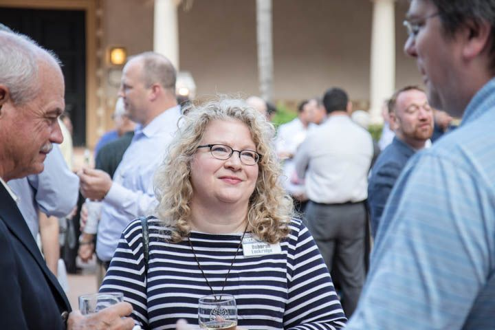 HDT Editor in Chief Deborah Lockridge talks to HDTX attendees during the first evening reception.
