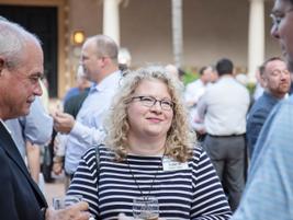HDT Editor in Chief Deborah Lockridge talks to HDTX attendees during the first evening reception.