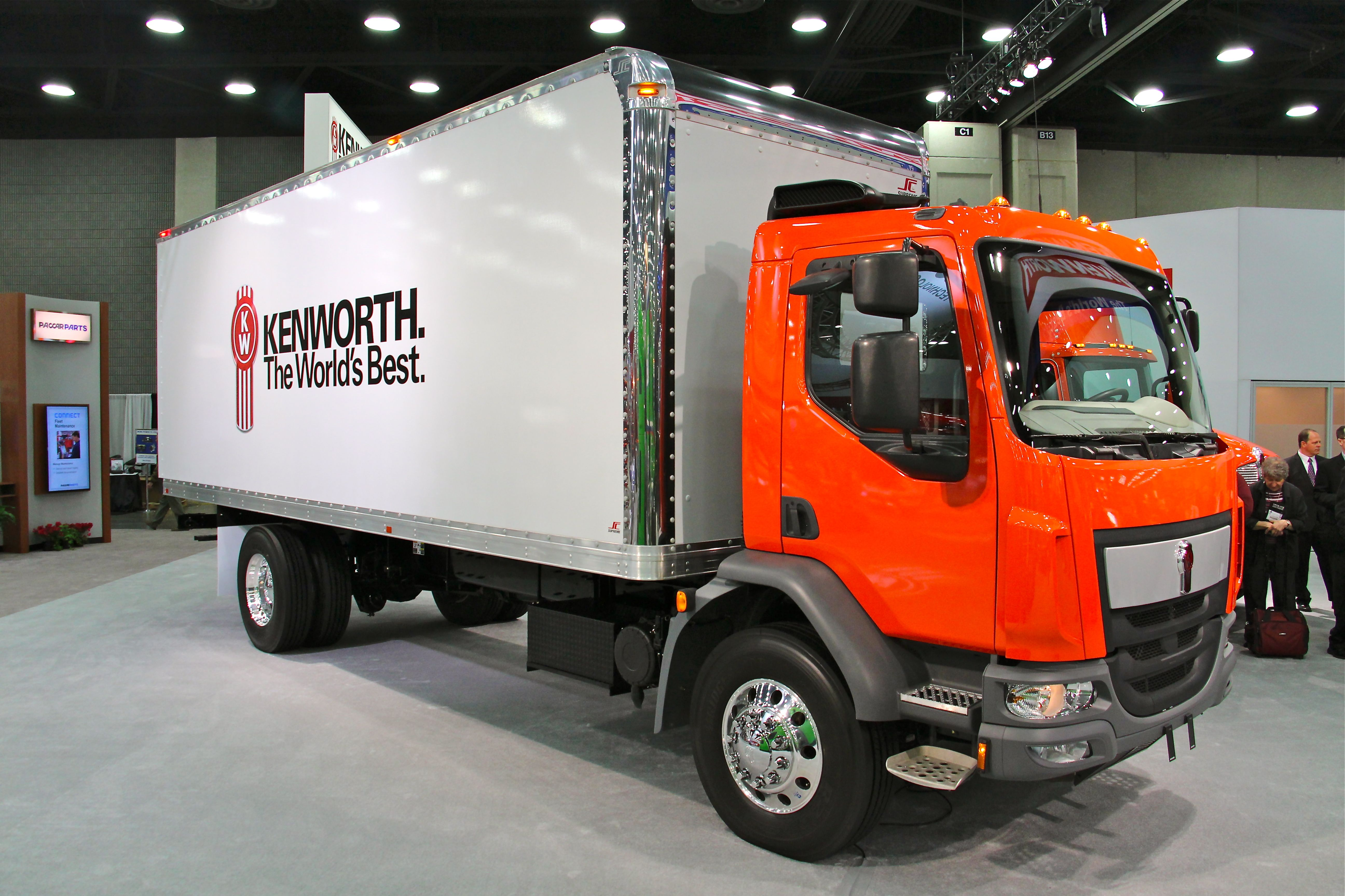 Kenworth Announces Enhancements to Medium-Duty Cabovers