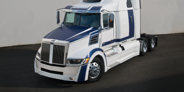Western Star Offers Bold Graphics Package for 5700XE