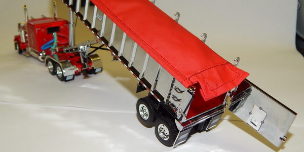 East Manufacturing Releases Scale Model Tractor-Dump Trailer