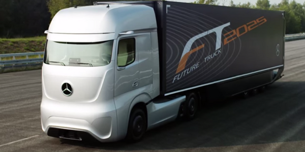 The Self-Driving, Mercedes-Benz Future Truck 2025 (Video)
