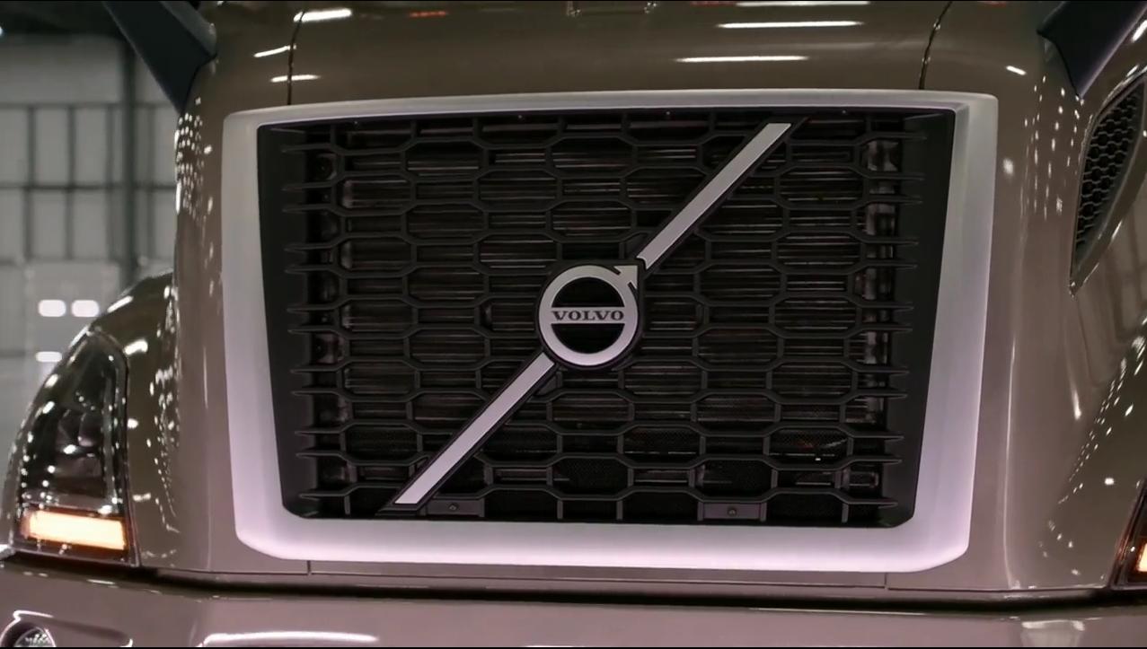 On the Spot: Volvo Trucks VNR Regional Tractor [Video]
