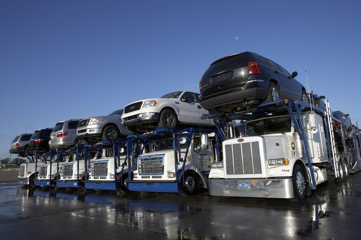Earlier this year, in July, 88% of TradeRev buyers were choosing TradeRev's shipping option, thanks in part to promotional incentives. Now that those incentives are essentially gone, about 80% of buyers are still choosing TradeRev shipping.  - Photo via Transport Auto (CC BY-SA 3.0).