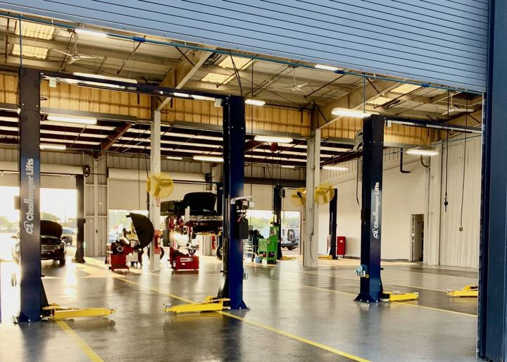 With its new building, Manheim Central Florida clients save the cost of having to transport their units to Manheim Orlando for reconditioning. - Photo: Manheim