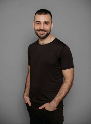 Yossi Levi, founder and CEO of Gettacar, wins an entrepreneurial award from Ernst & Young for creating a digital marketplace that humanizes the car buying experience. - Photo: Gettacar