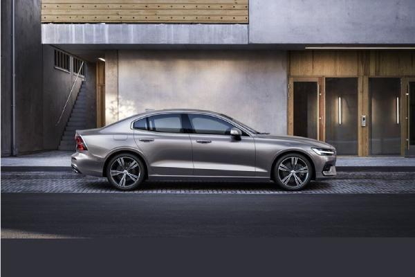 2021 Volvo S60 T5 - Momentum