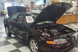 New York Auction Sells Trio of Last Oldsmobiles
