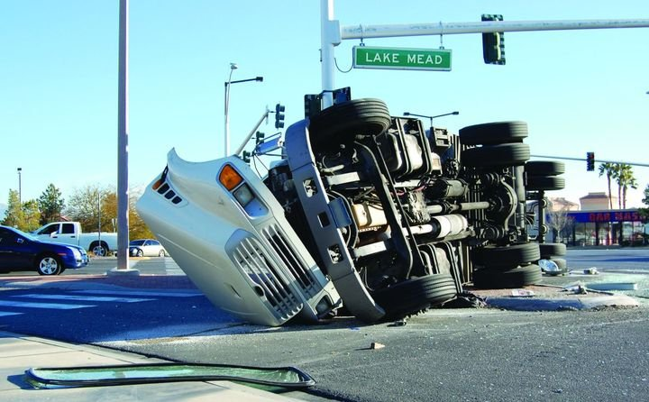 Several factors impact truck accident management efforts, including longer routes, newer drivers, and in-vehicle distractions such as phones and tablets. But experts agree, a solid fleety safety policy and program is the No. 1 way to reduce incidents. - Photo: Gettyimages.com/PeteMuller