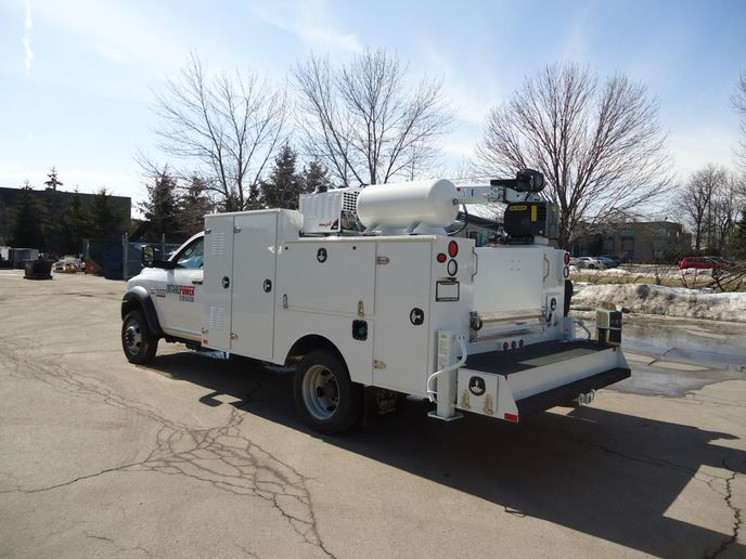 Rotary screw air compressors have many benefits that make them ideal for both mobile and standalone applications. As a result, you'll find rotary screw air compressors on vehicles and trailers, as well as in industrial, production and medical facilities, where high quality equipment is required. - Photo: VMAC